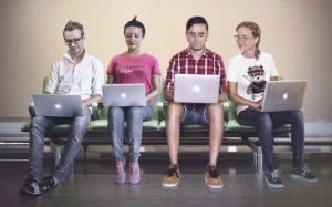Почему выгодно быть блоггером